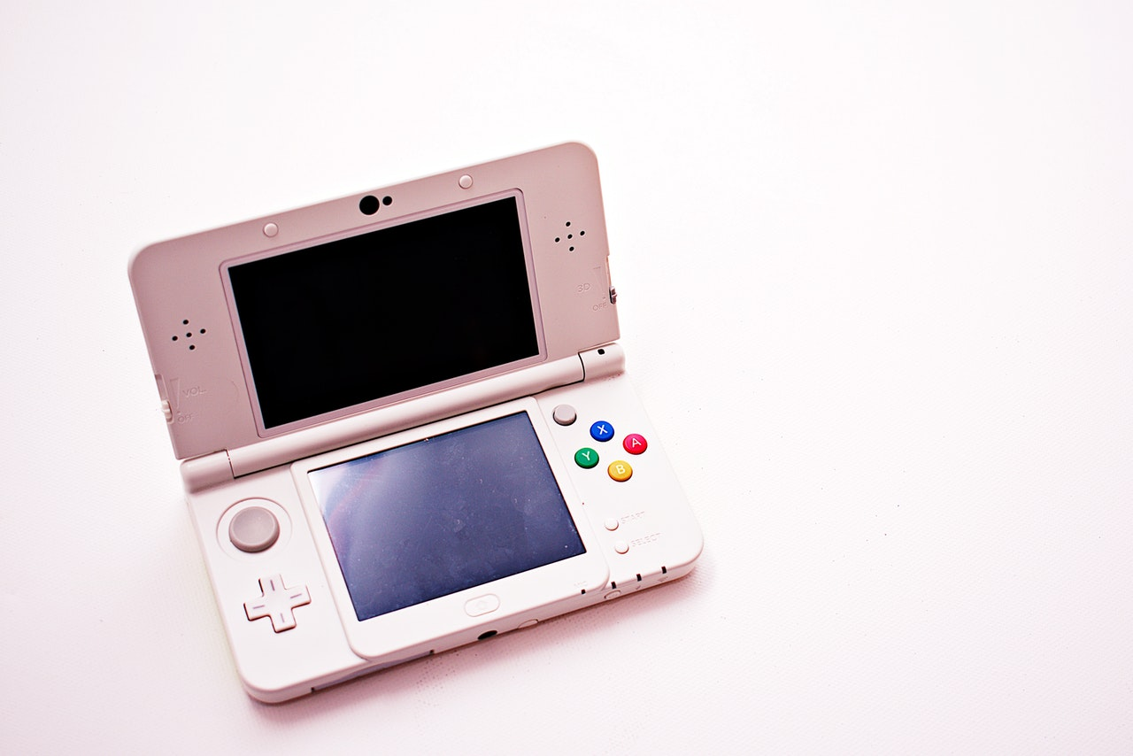 portable-game-console